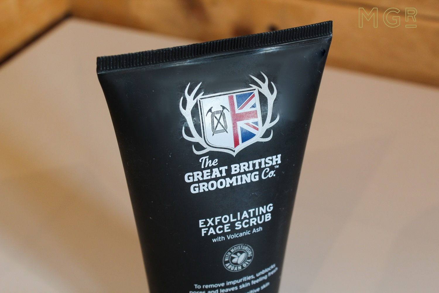 great-british-grooming-co-exfoliating-face-scrub-review-1