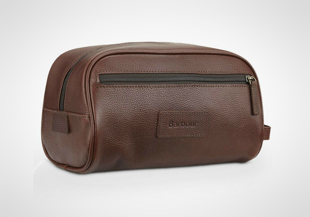 mens-travel-washbags-2019-barbour