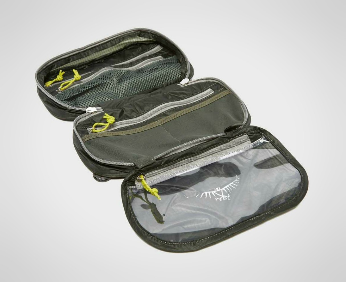 mens-travel-washbags-2019-osprey